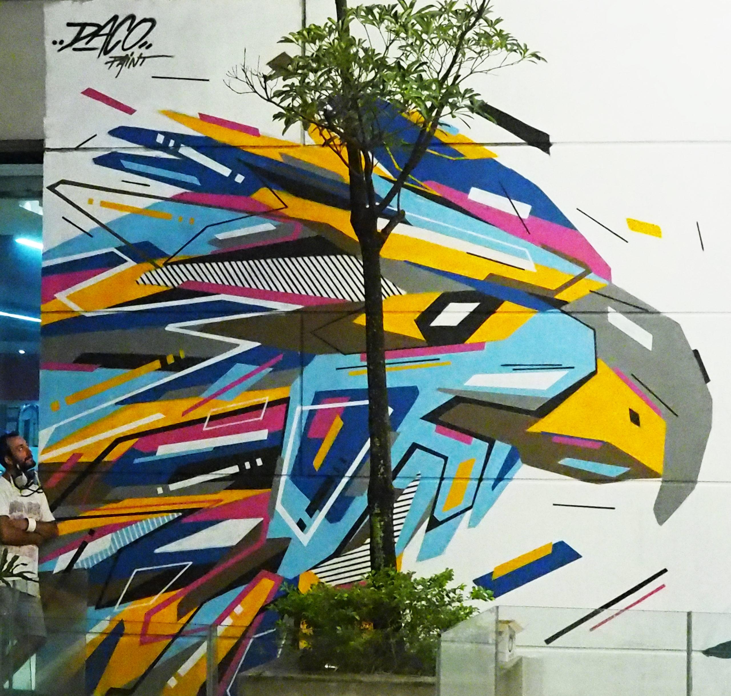 Fresque Graffaune Graffiti aigle réalisée par Daco
