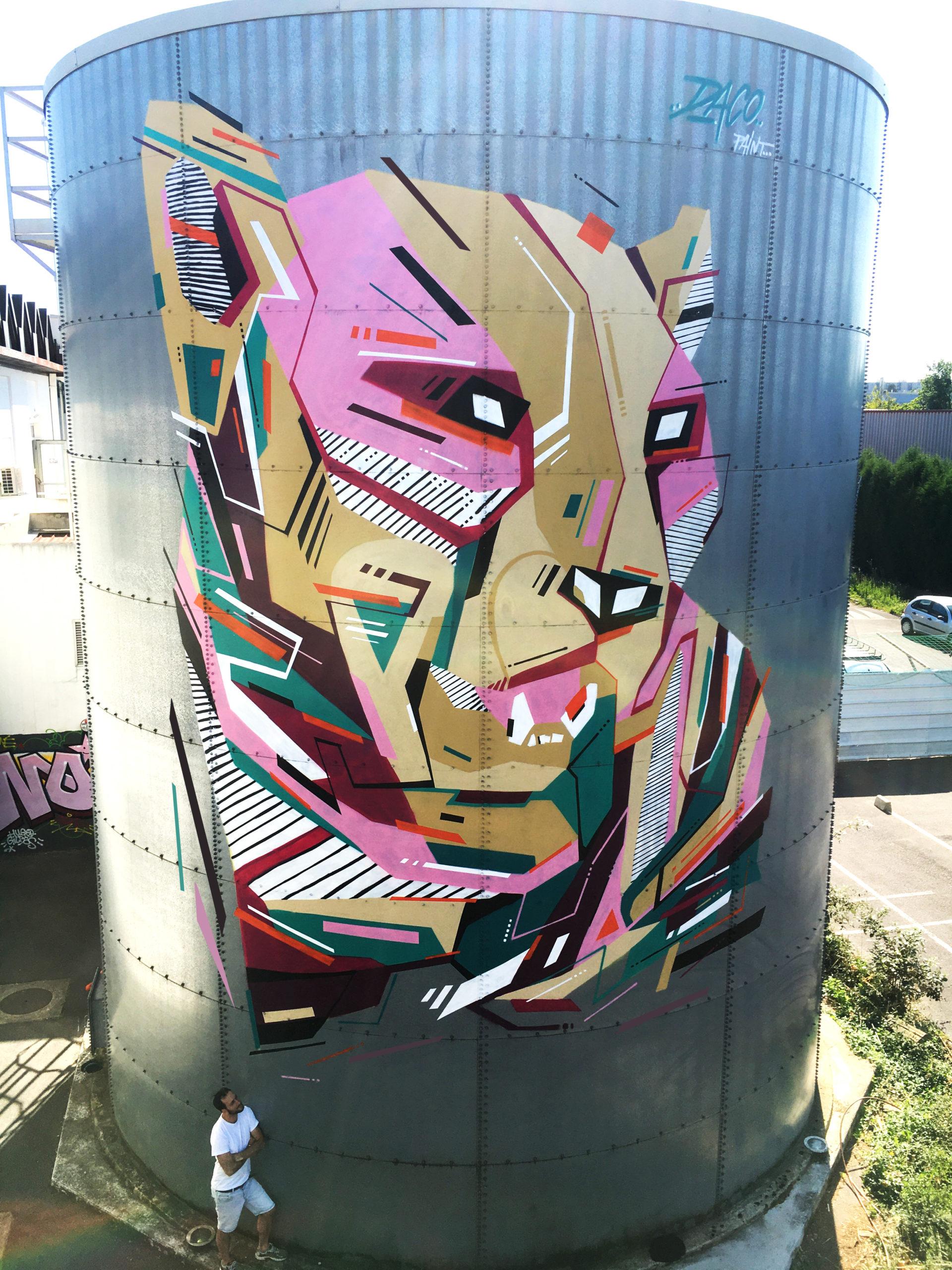 Fresque Graffaune Graffiti Léopard réalisée par Daco sur une cuve
